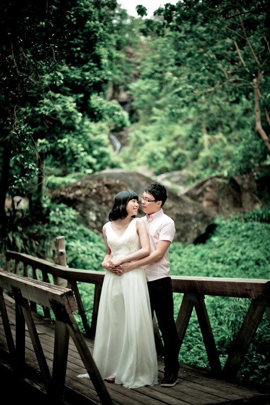 Mini and Treey's Huay Keaw Waterfall pre-wedding (prenuptial, engagement session) in Chiang Mai, Thailand. Huay Keaw Waterfall_Chiang Mai_wedding_photographer_Minin and Treey_02.TIF