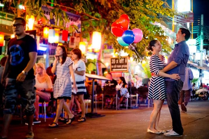 Rosalba and Jorge's Khao San Road pre-wedding (prenuptial, engagement session) in Bangkok, Thailand. Khao San Road_Bangkok_wedding_photographer_Rosalba and Jorge_176.TIF