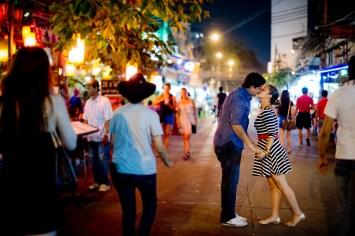 Rosalba and Jorge's Khao San Road pre-wedding (prenuptial, engagement session) in Bangkok, Thailand. Khao San Road_Bangkok_wedding_photographer_Rosalba and Jorge_178.TIF