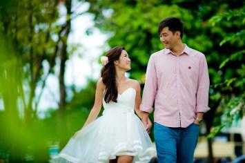 Moon and Chau's Park pre-wedding (prenuptial, engagement session) in Bangkok, Thailand. Park_Bangkok_wedding_photographer_Moon and Chau_109.TIF
