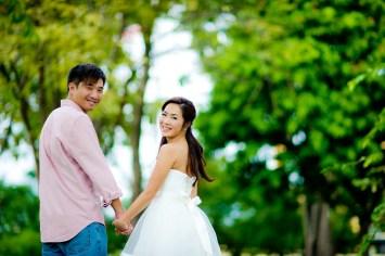 Moon and Chau's Park pre-wedding (prenuptial, engagement session) in Bangkok, Thailand. Park_Bangkok_wedding_photographer_Moon and Chau_110.TIF