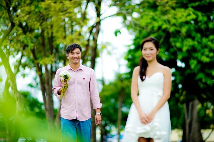 Moon and Chau's Park pre-wedding (prenuptial, engagement session) in Bangkok, Thailand. Park_Bangkok_wedding_photographer_Moon and Chau_111.TIF