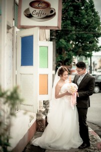Derrick and Elaine's Phuket Old Town pre-wedding (prenuptial, engagement session) in Phuket, Thailand. Phuket Old Town_Phuket_wedding_photographer_Derrick and Elaine_04.JPG