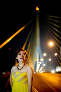 Gloria and Evan's Rama VIII Bridge pre-wedding (prenuptial, engagement session) in Bangkok, Thailand. Rama VIII Bridge_Bangkok_wedding_photographer_Gloria and Evan_2287.TIF