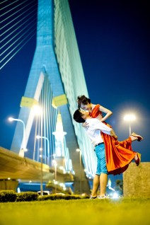 Stephanie and Kelvin's Rama VIII Bridge pre-wedding (prenuptial, engagement session) in Bangkok, Thailand. Rama VIII Bridge_Bangkok_wedding_photographer_Stephanie and Kelvin_25.JPG