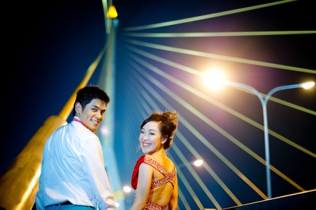 Stephanie and Kelvin's Rama VIII Bridge pre-wedding (prenuptial, engagement session) in Bangkok, Thailand. Rama VIII Bridge_Bangkok_wedding_photographer_Stephanie and Kelvin_27.JPG