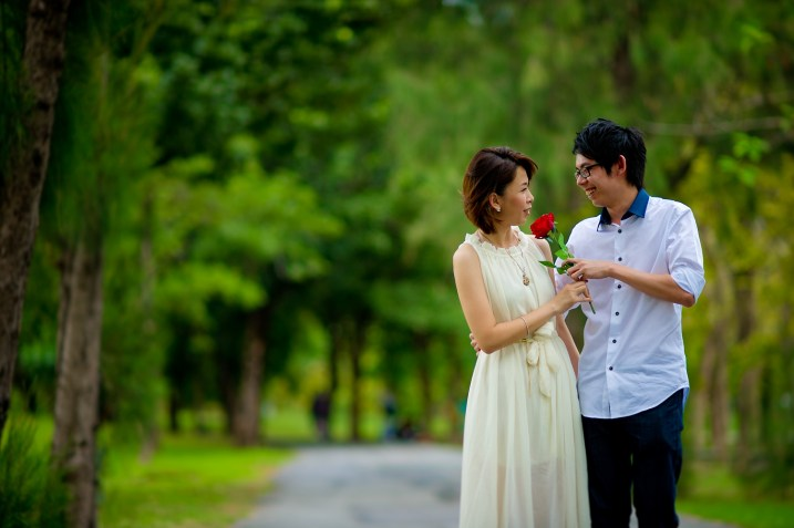 Amy and Kong's Rod Fai Park pre-wedding (prenuptial, engagement session) in Bangkok, Thailand. Rod Fai Park_Bangkok_wedding_photographer_Amy and Kong_149.TIF