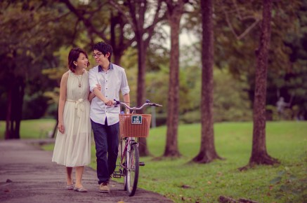 Amy and Kong's Rod Fai Park pre-wedding (prenuptial, engagement session) in Bangkok, Thailand. Rod Fai Park_Bangkok_wedding_photographer_Amy and Kong_153.TIF