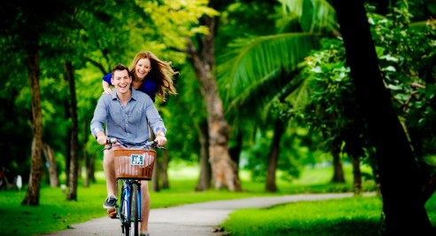 Candice and Troy's Rod Fai Park pre-wedding (prenuptial, engagement session) in Bangkok, Thailand. Rod Fai Park_Bangkok_wedding_photographer_Candice and Troy_07.JPG
