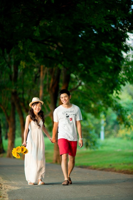 Stephanie and Kelvin's Rod Fai Park pre-wedding (prenuptial, engagement session) in Bangkok, Thailand. Rod Fai Park_Bangkok_wedding_photographer_Stephanie and Kelvin_01.JPG