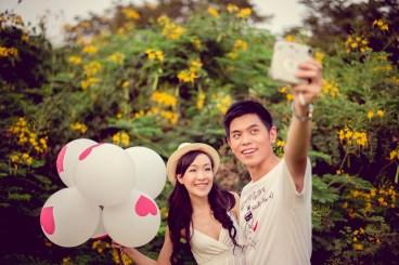 Stephanie and Kelvin's Rod Fai Park pre-wedding (prenuptial, engagement session) in Bangkok, Thailand. Rod Fai Park_Bangkok_wedding_photographer_Stephanie and Kelvin_07.JPG