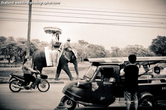 American Couple's Wangchang Lae Phanait pre-wedding (prenuptial, engagement session) in Ayutthaya, Thailand. Wangchang Lae Phanait_Ayutthaya_wedding_photographer_American Couple_10.JPG