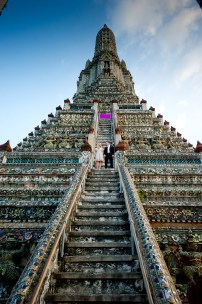 Anna and Kamil's Wat Arun pre-wedding (prenuptial, engagement session) in Bangkok, Thailand. Wat Arun_Bangkok_wedding_photographer_Anna and Kamil_06.TIF
