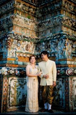 Gloria and Evan's Wat Arun pre-wedding (prenuptial, engagement session) in Bangkok, Thailand. Wat Arun_Bangkok_wedding_photographer_Gloria and Evan_2274.TIF