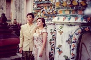Gloria and Evan's Wat Arun pre-wedding (prenuptial, engagement session) in Bangkok, Thailand. Wat Arun_Bangkok_wedding_photographer_Gloria and Evan_2279.TIF