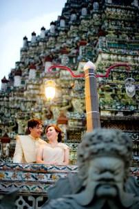 Gloria and Evan's Wat Arun pre-wedding (prenuptial, engagement session) in Bangkok, Thailand. Wat Arun_Bangkok_wedding_photographer_Gloria and Evan_2284.TIF