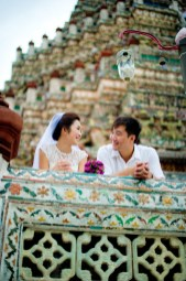 Moon and Chau's Wat Arun pre-wedding (prenuptial, engagement session) in Bangkok, Thailand. Wat Arun_Bangkok_wedding_photographer_Moon and Chau_117.TIF
