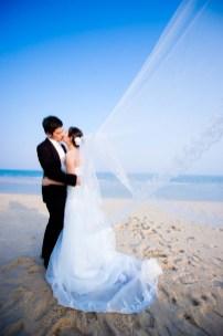 Kissing Photo   Hua Hin Beach Pre-Wedding - Thailand Wedding Photography