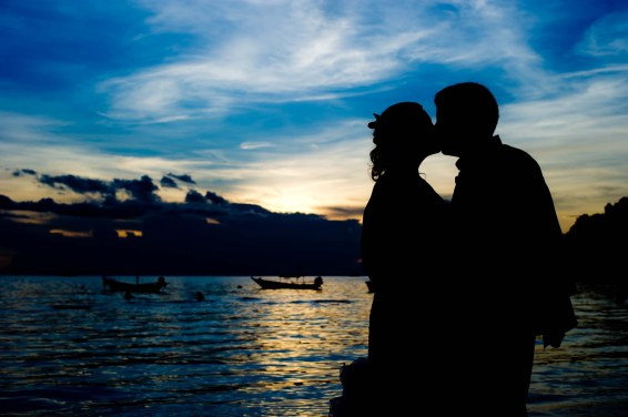 Kissing Photo   Koh Tao Thailand Wedding Photography