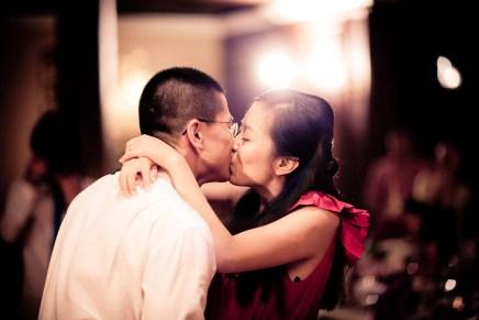Kissing Photo | Felix & Freyja' Wedding