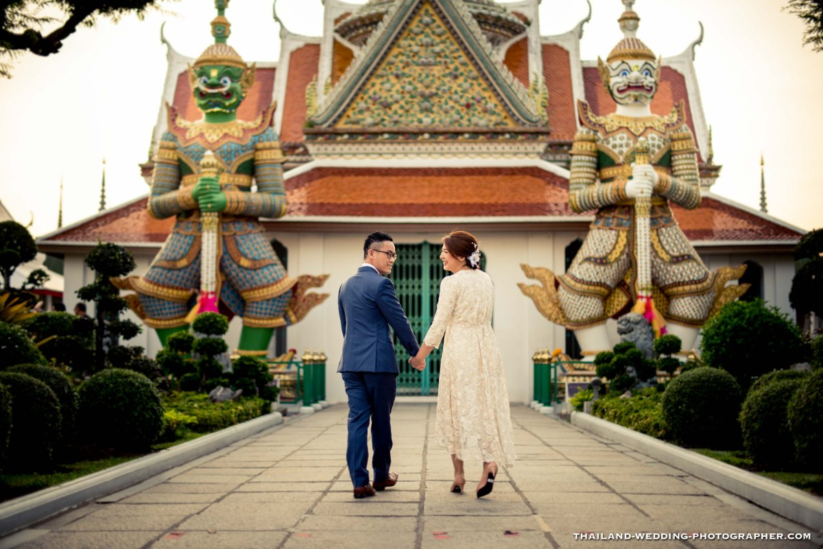 Preview: Wat Arun Bangkok Engagement Session