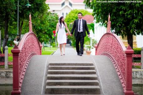 Thailand Bangkok Marble Temple Engagement Session