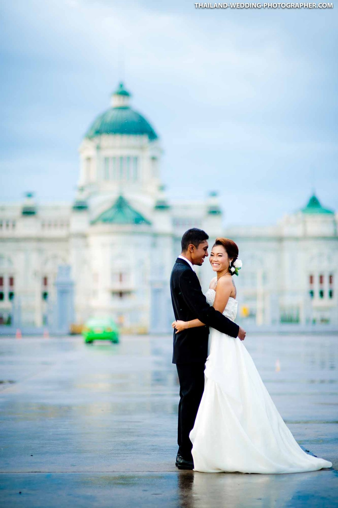 Ananta Samakhom Throne Hall Bangkok Thailand Engagement Session