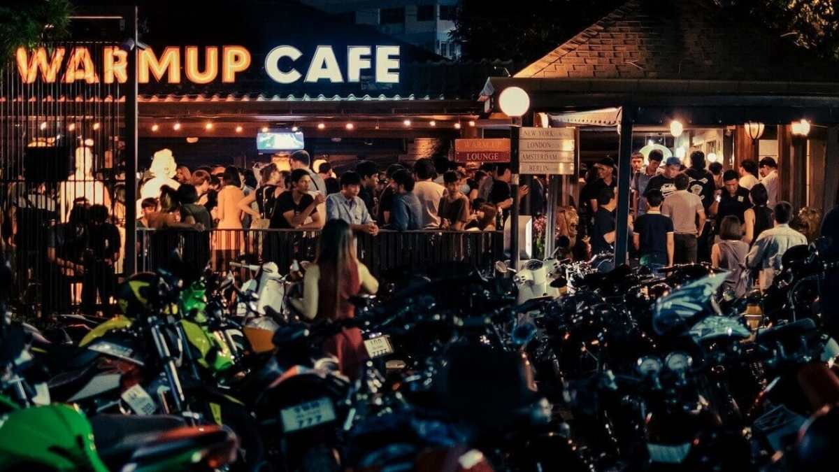 Chiang Mai Nightlife - Warm-Up Cafe is a popular Chiang Mai club. Thailand Event Guide