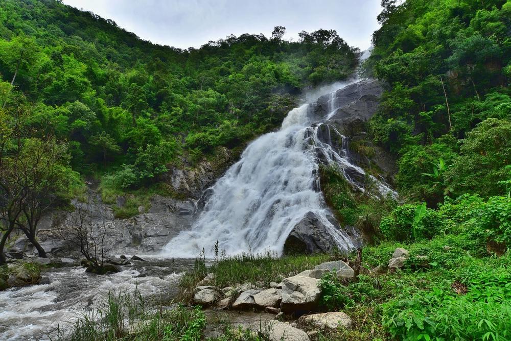 น้ำตกเต่าดำ (Namtok Tao Dam)
