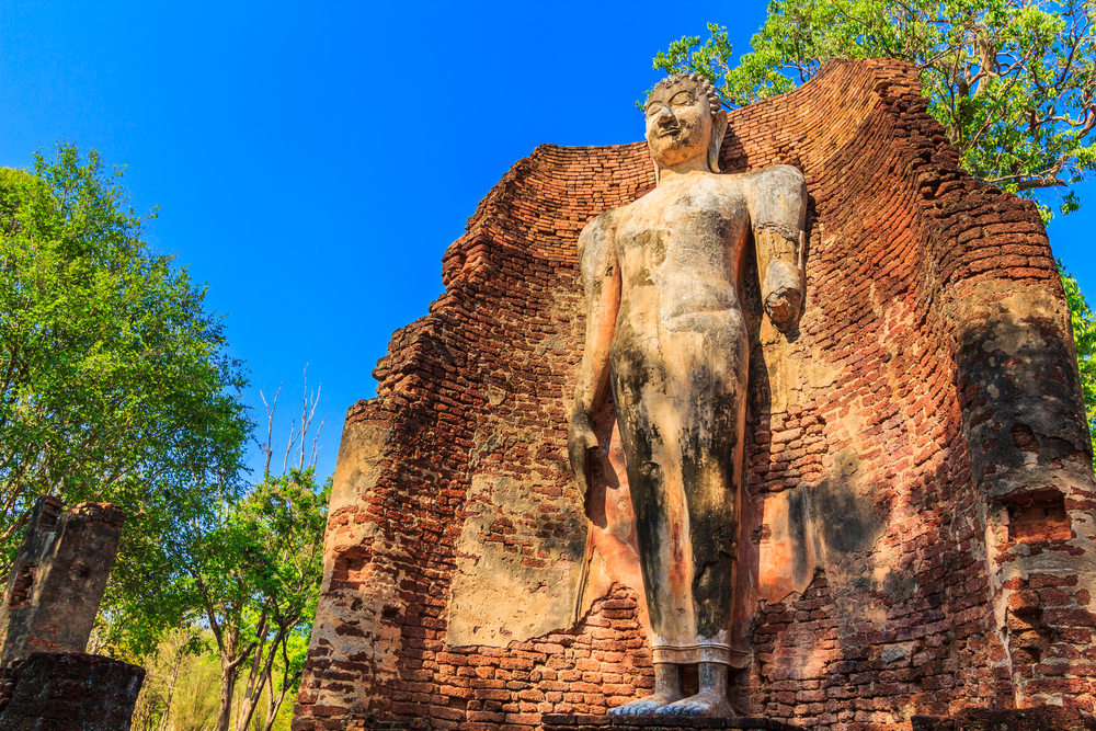 อุทยานประวัติศาสตร์กำแพงเพชร (Kamphaeng Phet Historical Park)