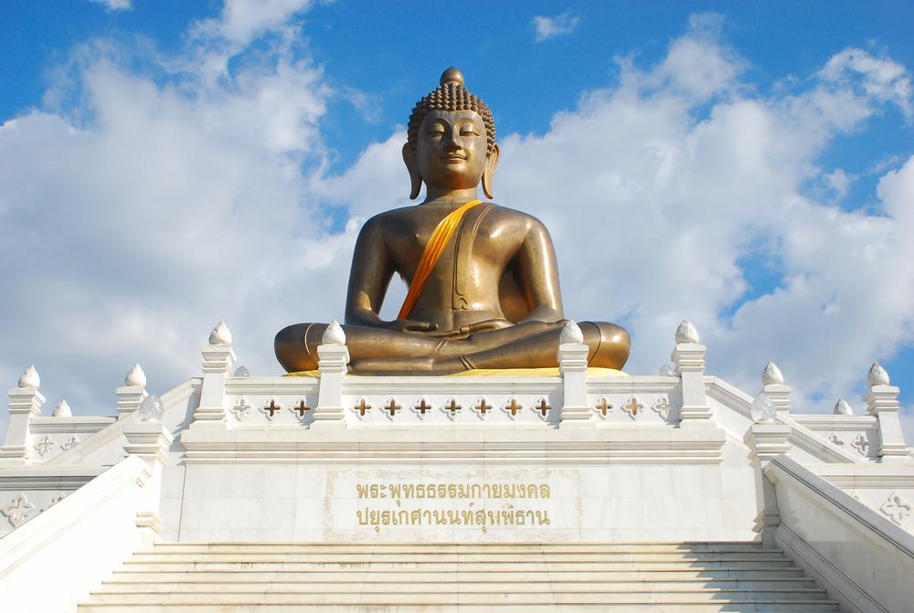 Wat Phuttathiwat (วัดพุทธาธิวาส)