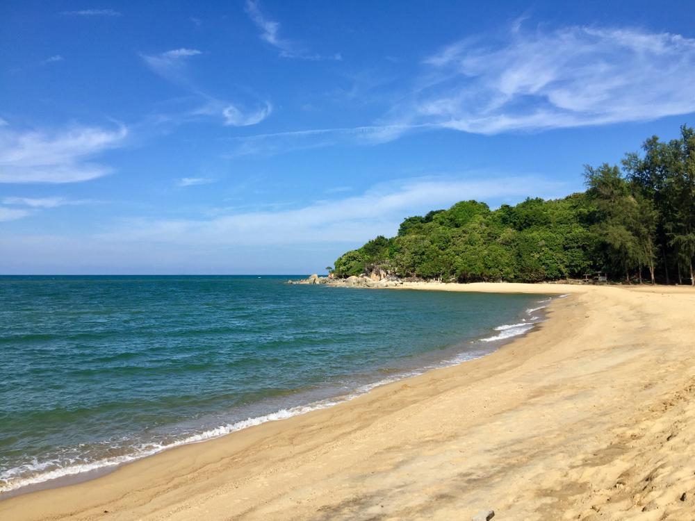 Narathat Beach (หาดนาราทัศน์)