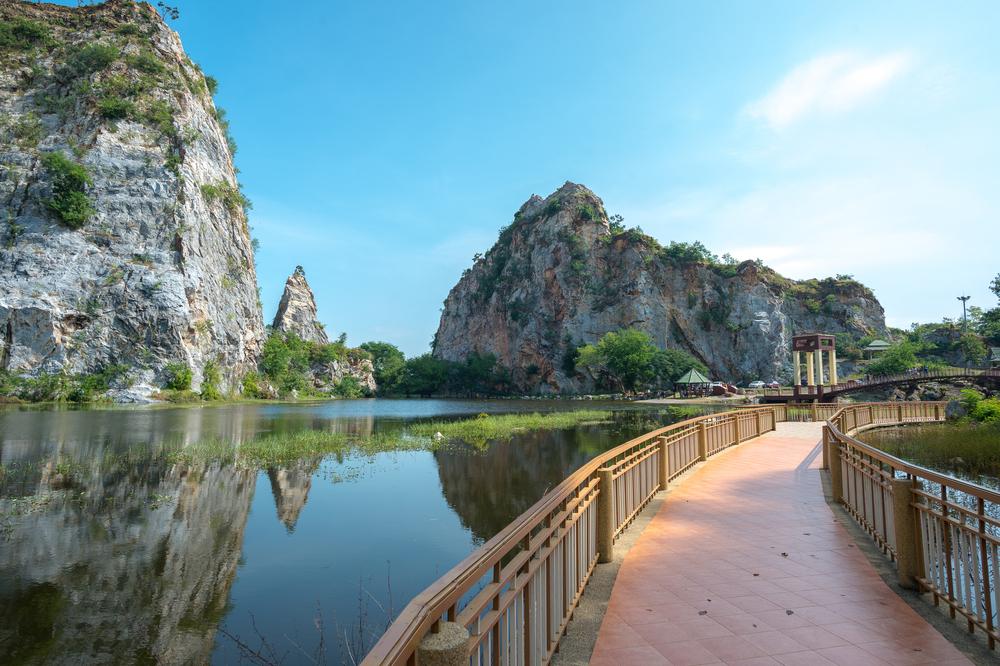 Khao Ngoo Nation Park (อุทยานแห่งชาติเขางู) 2