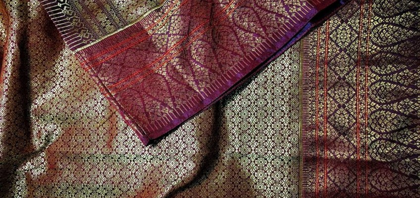 Silk of Chan Soma Silk Weaving Group (ผ้าไหมจันทร์โสมาและเครือข่าย)