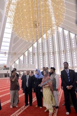 Faisal Mosque Yingluck in Pakistan