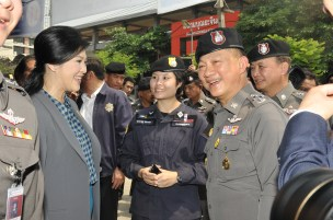 Yingluck_Police