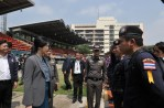 Yingluck_Policemen