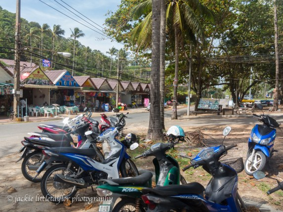 small shops along road to beach
