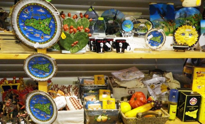 Магниты и тарелочки из Италии