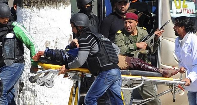 Теракт в Тунисе 2016 на пляже2
