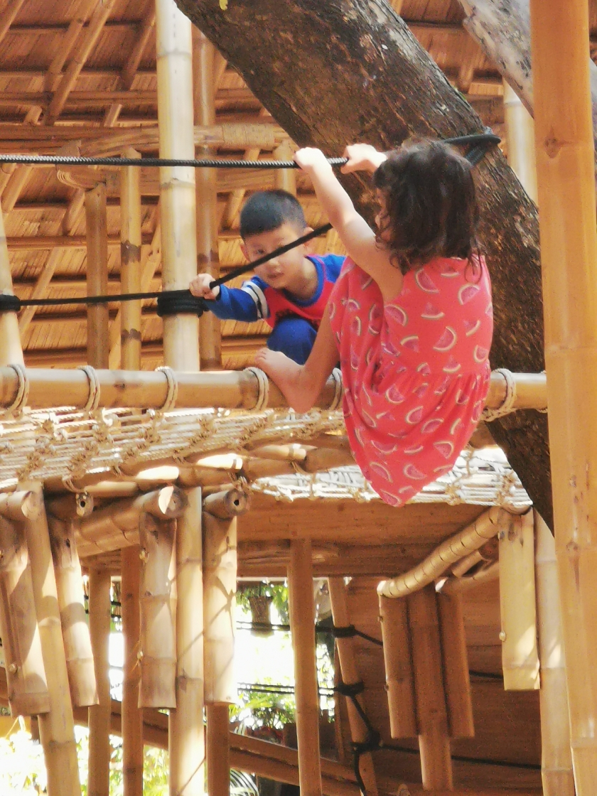 Restaurants with playgrounds in Chiang Mai, Triplets