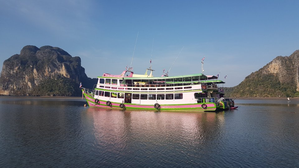 Cruise boat for IsIsland hopping in Trang