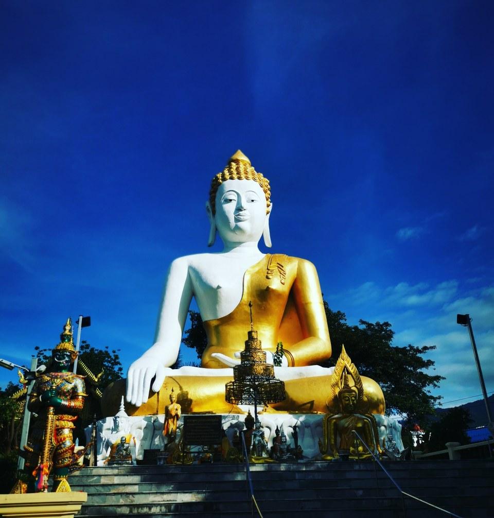 The Big Buddha at Wat Doi Kham