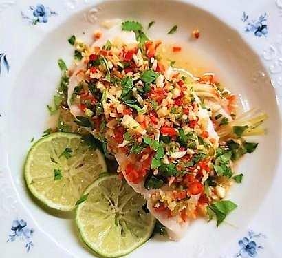 Plaa nung manaw – ångad fisk med lime och chili
