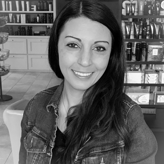 Rina Ascensio, Customer Service Specialist, Thairapie Hair Salon in Southlake, Texas
