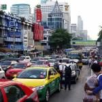 バンコクの渋滞。空港行くのに気になったから、時間帯や場所などを調べてみた。