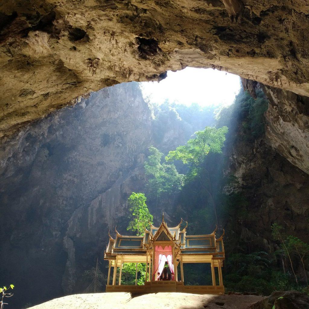 phraya nakhon cave pagoda