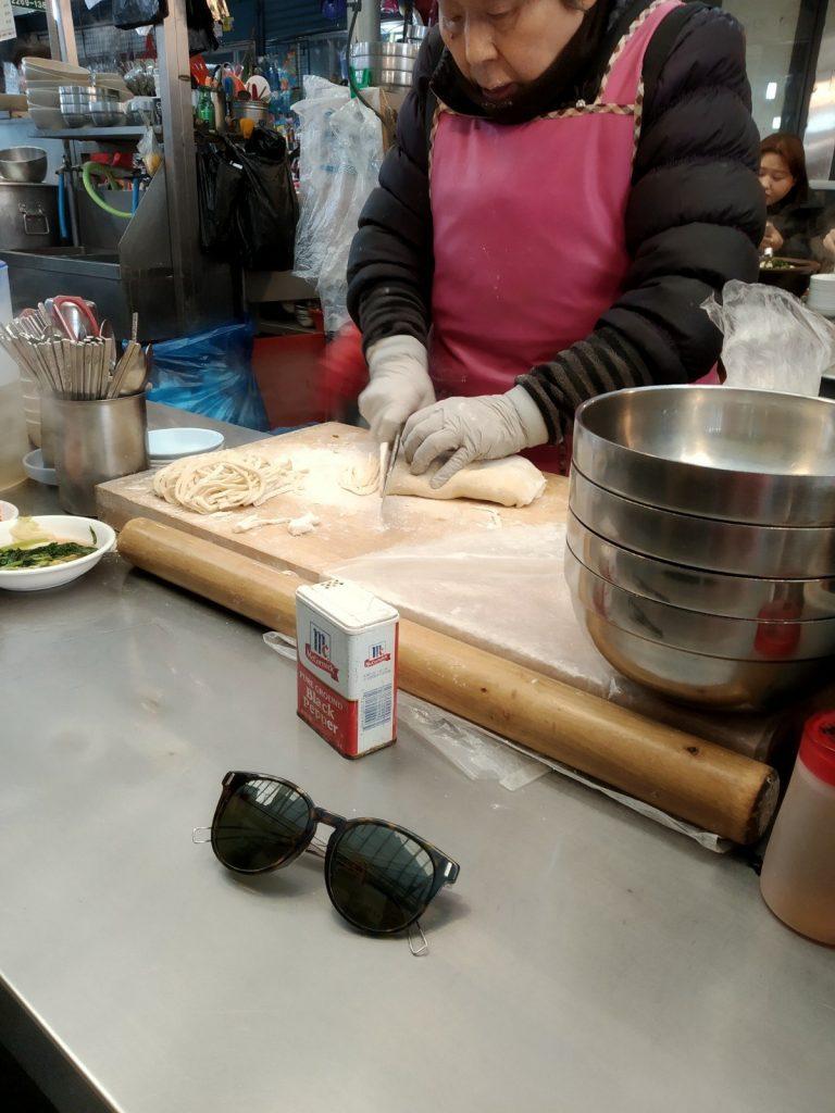 gwangjang market knife cut noodles kalguksu