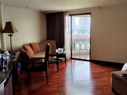 Two weeks in a hotel room: Experiences from Thailand's ASQ Quarantine 2