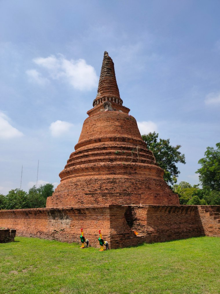 Ayutthaya: Touring the Temples in Thailand's old capital 3